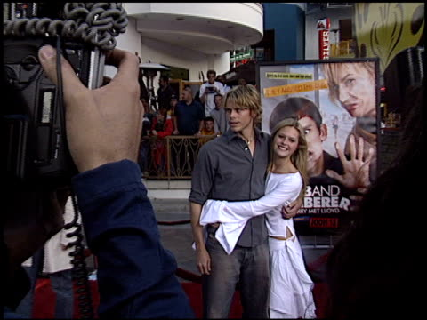vidéos et rushes de eric christian olsen at the 'dumb and dumberer' premiere at universal in universal city california on june 11 2003 - eric
