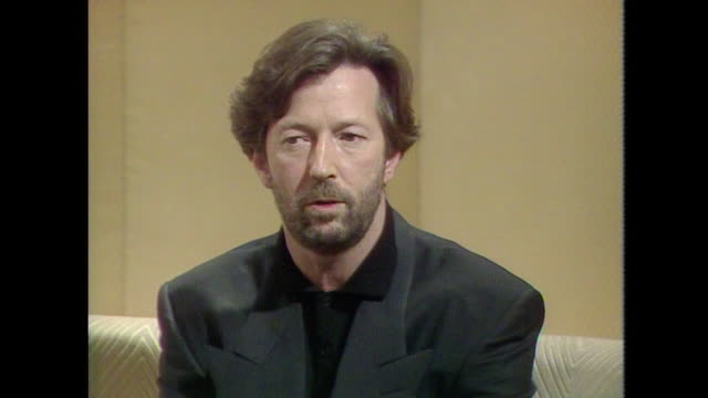 eric clapton saying 'i left the yardbirds because they wantedto make a pop record' - psychedelische musik stock-videos und b-roll-filmmaterial