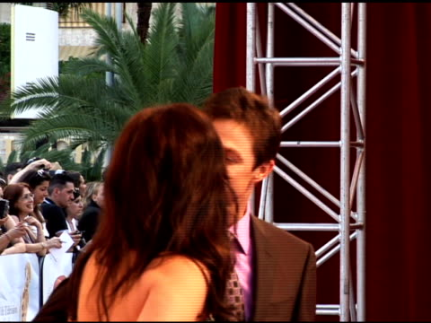 vidéos et rushes de eric close and guest at the 50th monte carlo tv festival opening ceremony arrivals at monaco - eric
