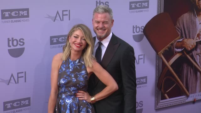 vídeos de stock, filmes e b-roll de eric dane and rebecca gayheart at the american film institute's 43rd life achievement award gala tribute to steve martin at dolby theatre on june 04... - american film institute