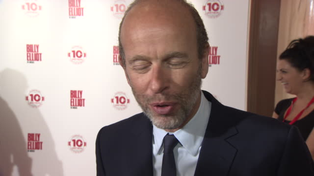 interview eric fellner on 10 years of billy elliot the musical and what it is about the musical that has made it a success at billy elliot the... - エリック フェルナー点の映像素材/bロール