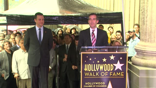stockvideo's en b-roll-footage met eric garcetti and jimmy kimmel at jimmy kimmel honored with star on the hollywood walk of fame in hollywood, ca, on 1/25/13. - jimmy kimmel