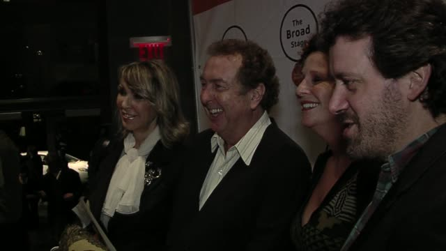 eric idle at the the broad stage presents - エリック アイドル点の映像素材/bロール