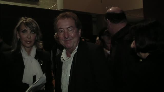 eric idle at the the broad stage - エリック アイドル点の映像素材/bロール