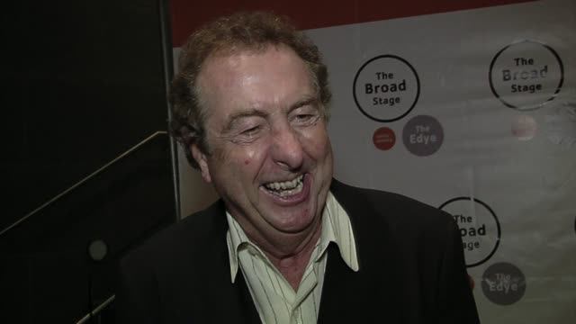 eric idle on what he's most looking forward to tonight. - エリック アイドル点の映像素材/bロール