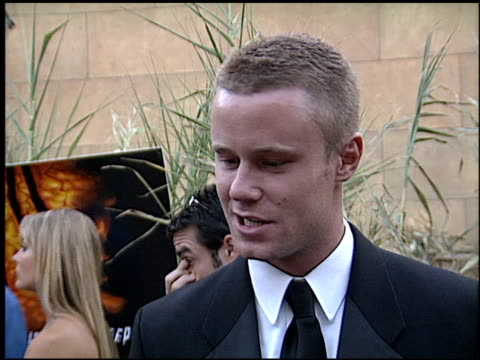 vidéos et rushes de eric nenninger at the 'jeepers creepers 2' premiere at the egyptian theatre in hollywood california on august 25 2003 - eric