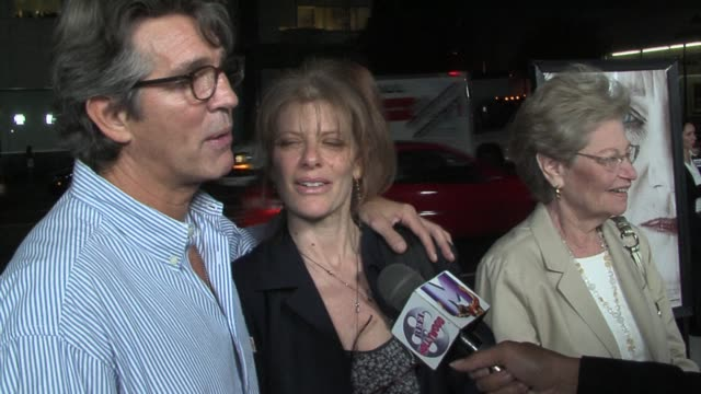 vidéos et rushes de eric roberts and eliza roberts at the the queen los angeles premiere at academy of motion picture arts & sciences in beverly hills, california on... - academy of motion picture arts and sciences