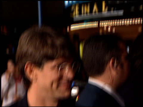 vidéos et rushes de eric roberts at the 'analyze this' premiere at the mann village theatre in westwood california on march 1 1999 - eric roberts