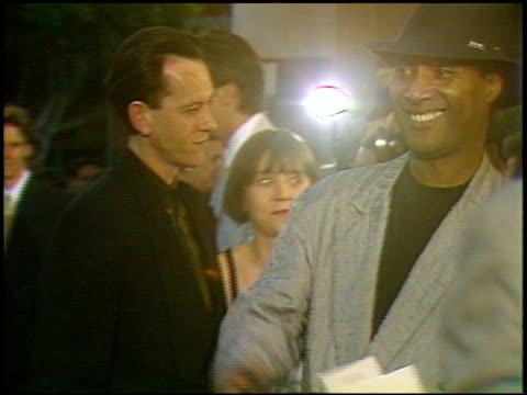 vidéos et rushes de eric roberts at the 'hudson hawk' premiere on may 20 1991 - eric roberts