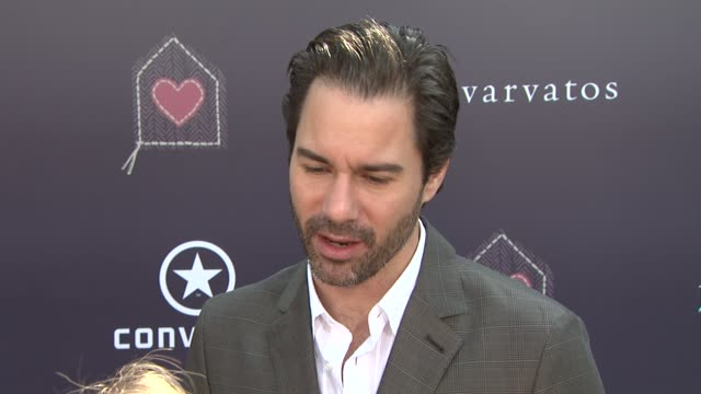 vidéos et rushes de eric_mccormack on being part of the afternoon why it's important to shed light on sexual abuse when he became a fan of john varvatos what he's most... - eric
