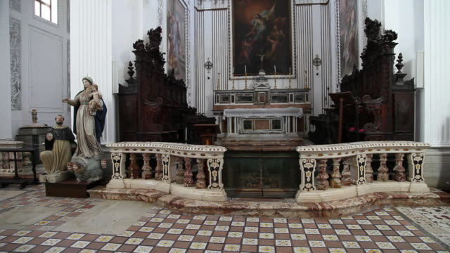 erice, san martino church, view of the choir  - altar stock videos & royalty-free footage