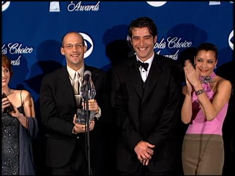 erik palladino at the 2000 peoples choice awards at pasadena civic auditorium in pasadena, california on january 9, 2000. - パサディナ公会堂点の映像素材/bロール
