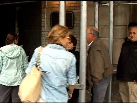 vídeos de stock, filmes e b-roll de erika christensen signs autographs for fans in new york 05/17/11 - autografando