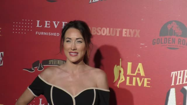 erin coscarelli at the los angeles opening night performance of 'absinthe' on march 23, 2017 in los angeles, california. - absinth stock-videos und b-roll-filmmaterial
