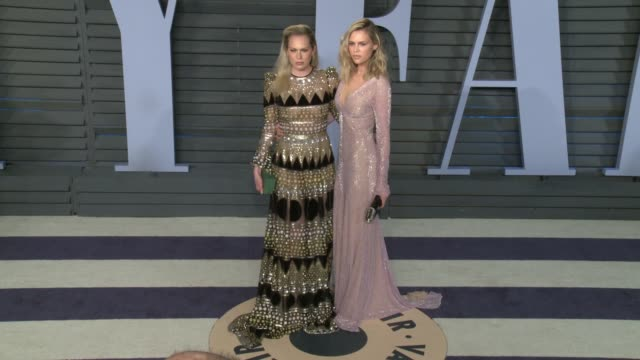 Erin Foster and Sara Foster at 2018 Vanity Fair Oscar Party on March 04 2018 in Beverly Hills California