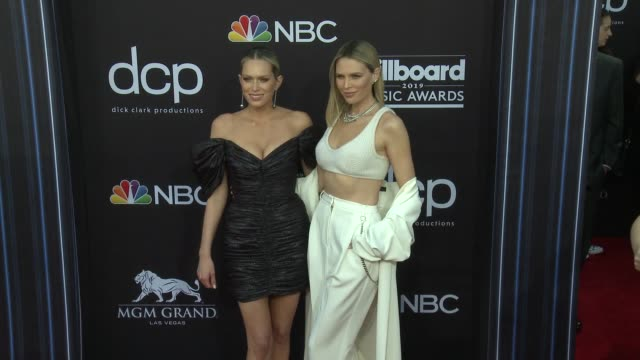 erin foster and sara foster at the 2019 billboard music awards at mgm grand garden arena on may 1 2019 in las vegas nevada - mgm grand garden arena stock videos & royalty-free footage