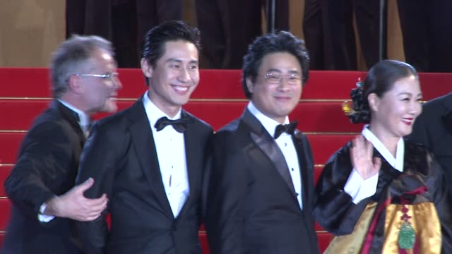 Eriq Ebouaney Okbin Kim Kangho Song Kim HaeSook Hakyun Shin and director Park Chan Wook at the Cannes Film Festival 2009 Thirst/Precious Steps at...
