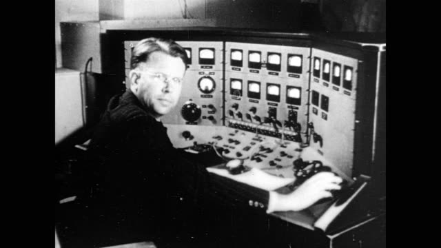 / ernest lawrence working in the laboratory physicist ernest lawrence at work on january 01 1939 - atom stock videos & royalty-free footage