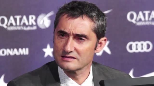 Ernesto Valverde firmo un contrato por dos temporadas con opcion a una tercera como nuevo tecnico del FC Barcelona y dijo en su primera conferencia...
