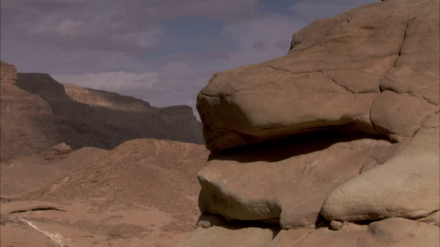eroded sandstone in israel's timna valley. available in hd - sandstone stock videos & royalty-free footage