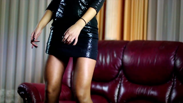 vídeos de stock, filmes e b-roll de erótico dançarino - dançando em discoteca