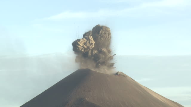 eruption at anak krakatau volcano in afternoon light, krakatoa, indonesia, november 2010 - eruzione video stock e b–roll