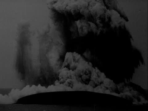 eruptions of the vulcano anak krakatau - erupting stock videos & royalty-free footage