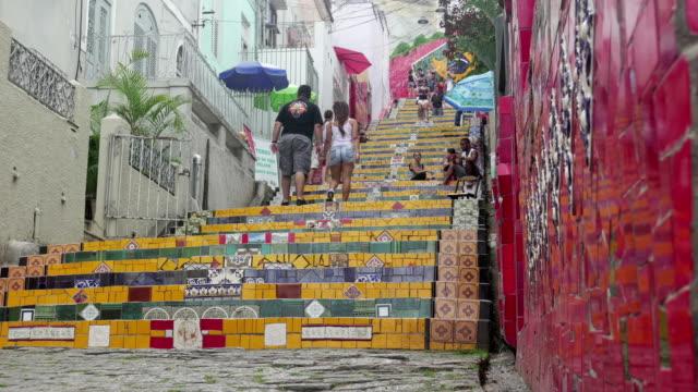 vídeos de stock, filmes e b-roll de escadaria selaron, also known as selaron steps in rio de janeiro - imagem