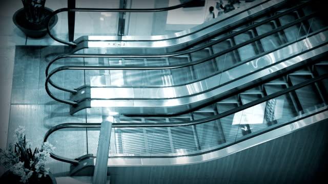 stockvideo's en b-roll-footage met escalator in blue - kleurtoon