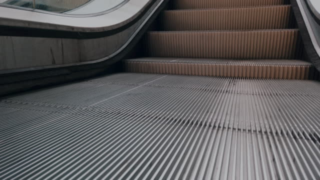 escalator steps, subwaystation - escalator stock videos & royalty-free footage