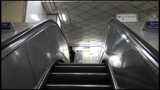 (HD1080i) Escalator Up: London Underground Tube