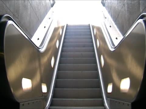 vidéos et rushes de escalier roulant  - escalator