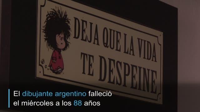 esculturas, ornamentos y libros, un restaurante en ciudad de méxico honra a la afamada y querida tira cómica de mafalda, creada por el argentino... - restaurante stock videos & royalty-free footage