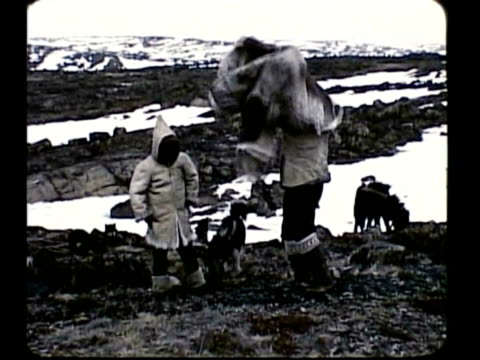 eskimo family - 1959 stock-videos und b-roll-filmmaterial