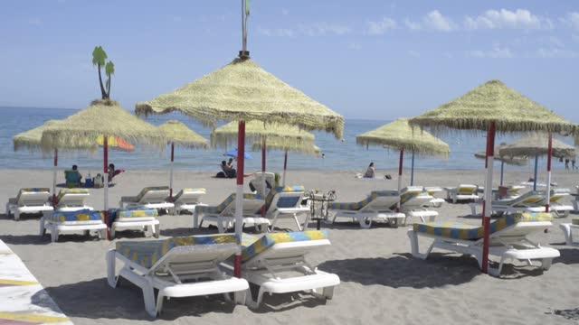 ESP: España reabre sus playas a los turistas vacunados