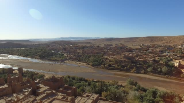 esploring ait-ben-haddou casbah (kasbah) - pjphoto69 stock videos & royalty-free footage