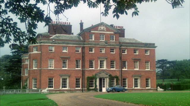 MS Establish old english mansion country estate
