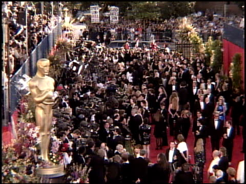 establishing at the 1995 academy awards arrivals at the shrine auditorium in los angeles, california on march 27, 1995. - 1995 bildbanksvideor och videomaterial från bakom kulisserna