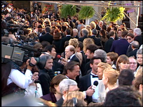 establishing at the 1996 academy awards arrivals at the shrine auditorium in los angeles, california on march 25, 1996. - 第68回アカデミー賞点の映像素材/bロール