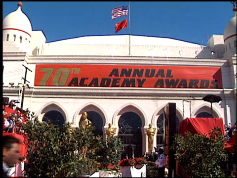 establishing at the 1998 academy awards arrivals at the shrine auditorium in los angeles, california on march 23, 1998. - academy awards stock videos & royalty-free footage