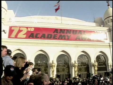 establishing at the 2000 academy awards at the shrine auditorium in los angeles california on march 26 2000 - 72nd annual academy awards stock videos & royalty-free footage