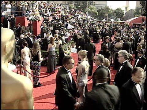 establishing at the 2001 academy awards at the shrine auditorium in los angeles, california on march 25, 2001. - 第73回アカデミー賞点の映像素材/bロール