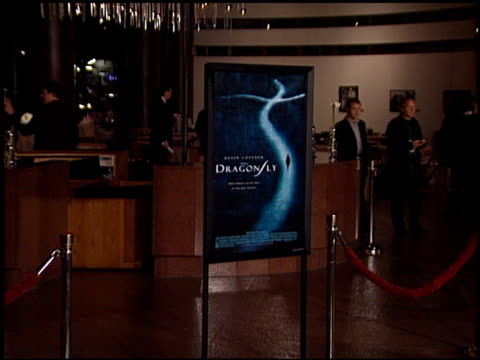establishing at the dragonfly at dga in hollywood, california on february 18, 2002. - アメリカ監督組合点の映像素材/bロール