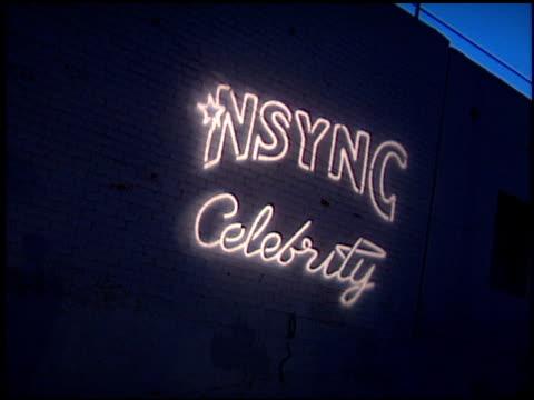 establishing at the 'n sync celebrity album party at moomba in west hollywood california on july 23 2001 - イン・シンク点の映像素材/bロール
