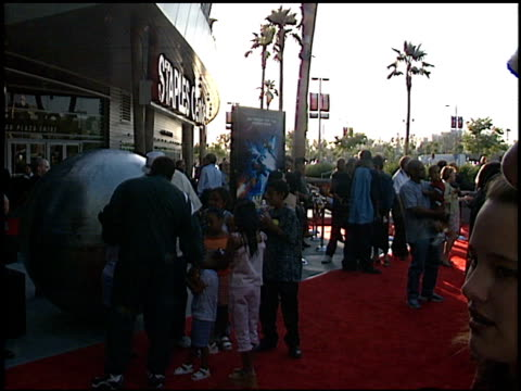 establishing at the 'titan' ae premiere at staples center in los angeles, california on june 13, 2000. - titan moon stock videos & royalty-free footage