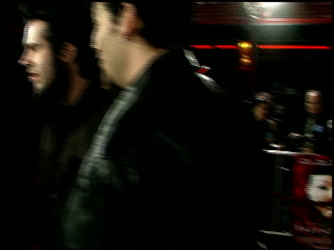 establishing at the 'valentine' premiere at grauman's chinese theatre in hollywood california on february 1 2001 - mann theaters stock-videos und b-roll-filmmaterial