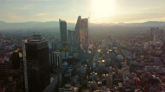 stockvideo's en b-roll-footage met establishing shot, modern skyscrapers in mexico city - mexico stad