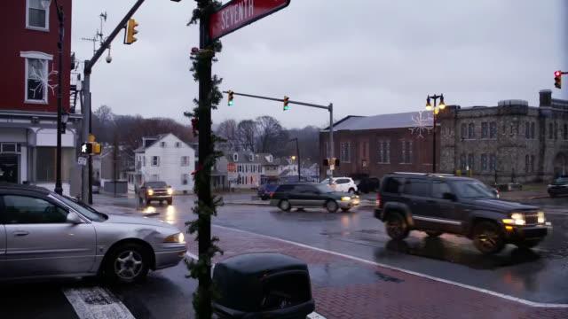 establishing shot of intersection of northampton and seventh street signs in easton, pennsylvania. - northampton stock-videos und b-roll-filmmaterial