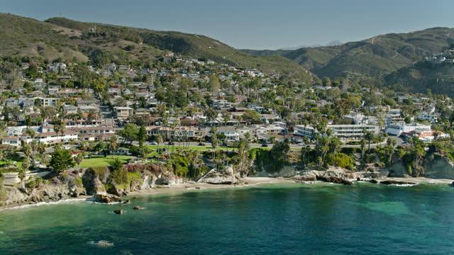 establishing shot of laguna beach, ca - laguna beach california stock videos & royalty-free footage