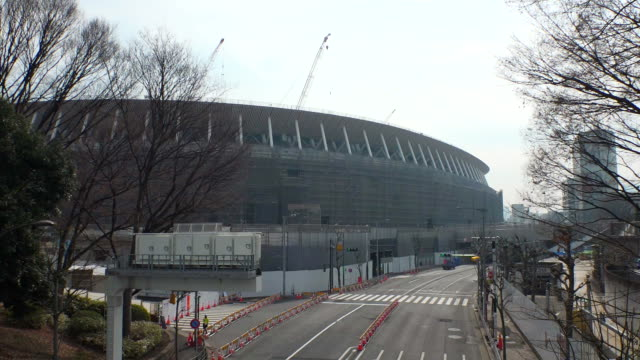 establishing shot of the olympic stadium for the 2020 tokyo olympics. - sport点の映像素材/bロール